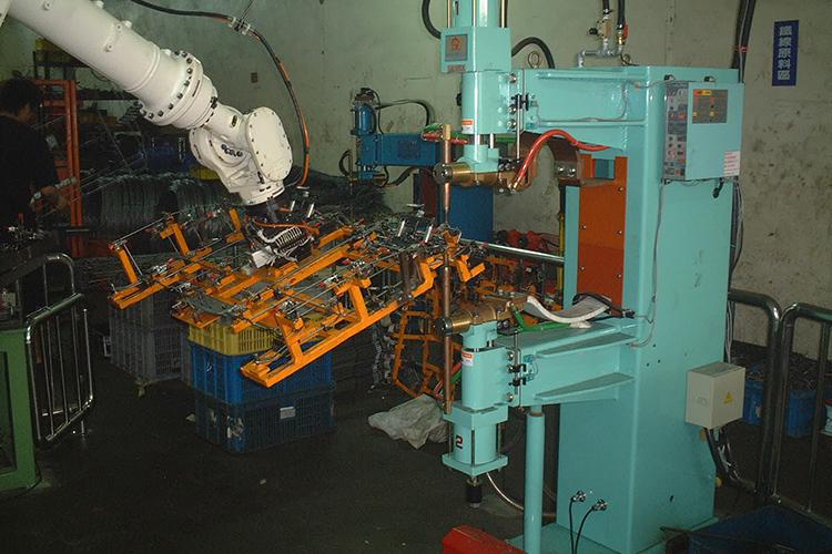 OTC ROBOT 工件搬運點焊