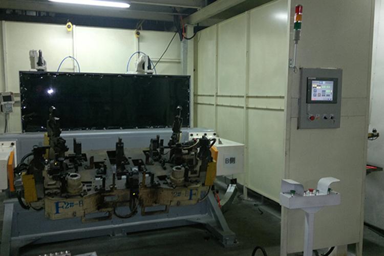 2台ROBOT搭配子母式迴轉台外部軸