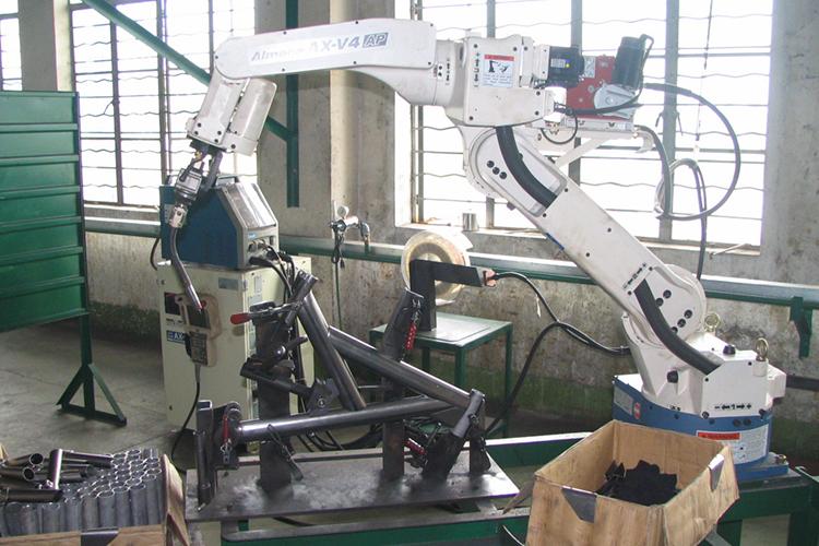 OTC ROBOT 自行車車架焊接