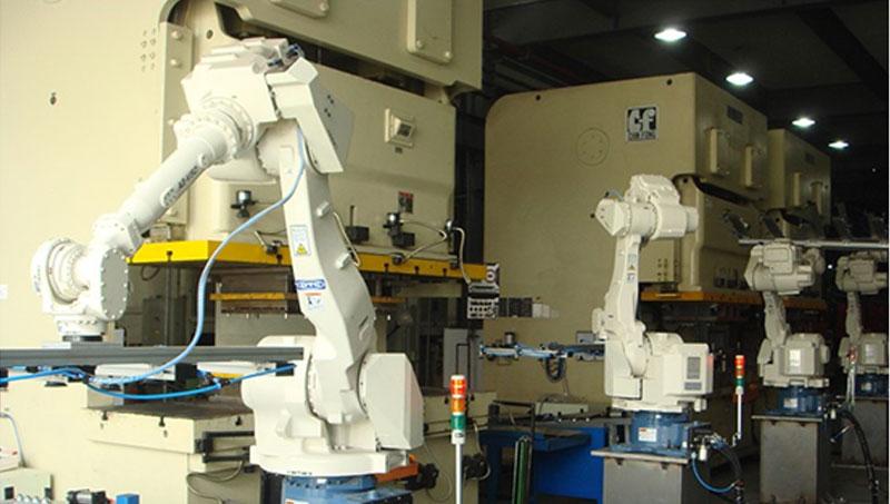 潤蓬企業提供ROBOT自動化系統服務