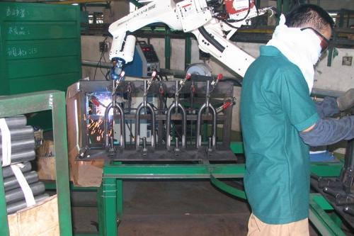 OTC ROBOT自行車前叉焊接
