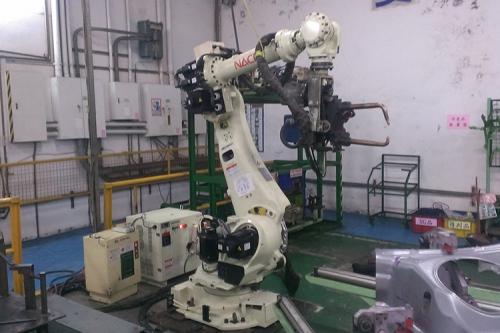 Nachi ROBOT 工件点焊